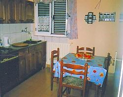 Eine der Küchen
